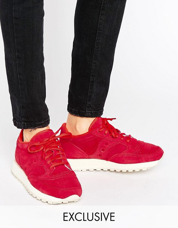 Tết phải sắm ngay vài đôi giày đỏ như thế này mới chất - Ảnh 4.