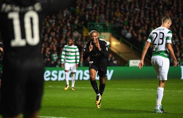 Tam tấu Cavani-Mbappe-Neymar rực sáng, PSG thắng 5 sao ở Champions League - Ảnh 5.