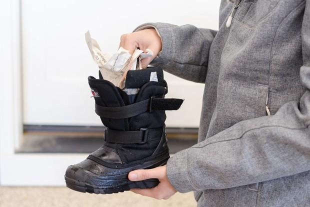 Ai đi giày chắc chắn sẽ cần đến những mẹo vặt này - Ảnh 9.