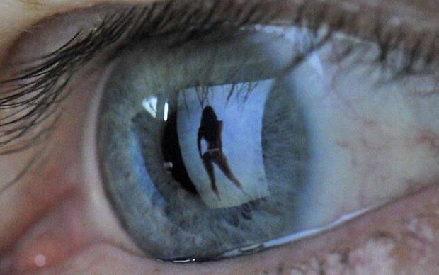 Khoa học chứng minh: Xem phim đen có thể gây tổn thương cho não bộ - Ảnh 3.