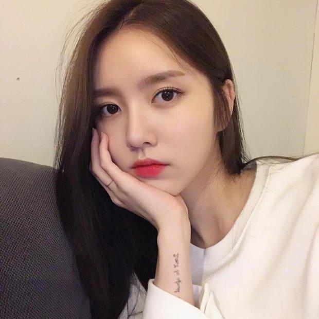 Muốn makeup trong suốt chuẩn như gái Hàn, bạn hãy bỏ túi ngay 4 tips này - Ảnh 1.