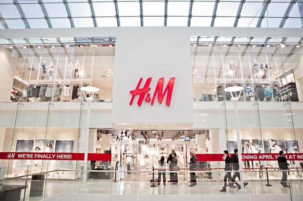 H&M, Zara và Uniqlo: Đều là thời trang bình dân, tưởng giống nhau mà thực ra lại rất khác! - Ảnh 3.