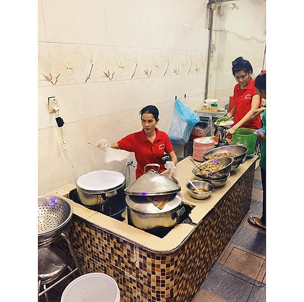 """3 quán bánh cuốn ngon """"nức nở"""" cho ngày mát trời tại Sài Gòn - Ảnh 14."""