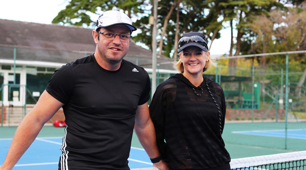 Hai tay vợt đấu liên tục 64 giờ và động cơ phía sau khiến nhiều người nể phục - Ảnh 1.