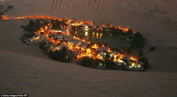 Không ai ngờ rằng, giữa sa mạc cằn cỗi bậc nhất thế giới lại có một thị trấn xanh tươi đến vậy - Ảnh 8.