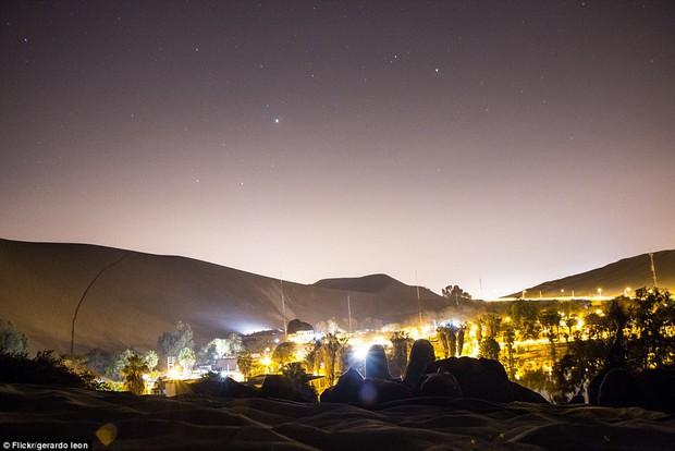 Không ai ngờ rằng, giữa sa mạc cằn cỗi bậc nhất thế giới lại có một thị trấn xanh tươi đến vậy - Ảnh 10.