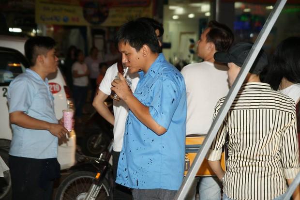Quán trà sữa của Phạm Hương bất ngờ bị tạt sơn đen đúng ngày khai trương - Ảnh 6.