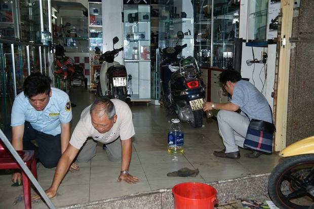Quán trà sữa của Phạm Hương bất ngờ bị tạt sơn đen đúng ngày khai trương - Ảnh 9.