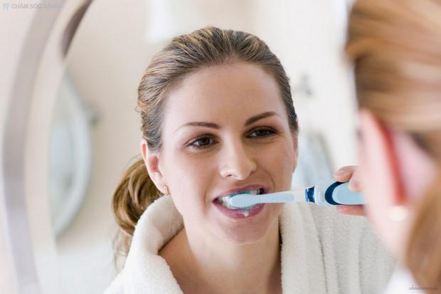 Chuyên gia bật mí ưu nhược điểm các phương pháp tẩy trắng răng phổ biến hiện nay - Ảnh 7.