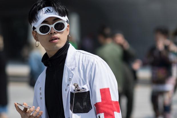 Giới trẻ bị ám ảnh bởi xu hướng, thủ phủ thời trang châu Á Seoul biến thành thiên đường hàng nhái - Ảnh 5.