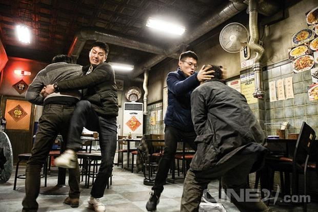 """Park Seo Joon """"cặp"""" Kang Ha Neul, trở thành cảnh sát tập sự """"phá làng xóm"""" - Ảnh 8.  Park Seo Joon cùng Kang Ha Neul, trở thành cảnh sát tập sự """"phá làng xóm"""" imageproxy 1501044210796"""