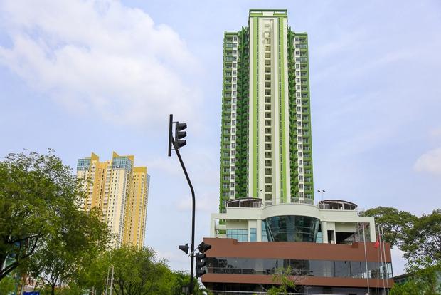 Cao ốc Thuận Kiều Plaza bỏ hoang bỗng lột xác với màu xanh lá nổi bật tại trung tâm Sài Gòn - Ảnh 15.