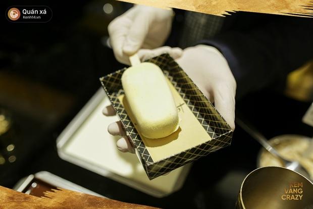 Kem vani, kem chocolate là xưa rồi, giờ người ta ăn kem với vàng 24k và mì tôm, ớt bột cơ! - Ảnh 5.
