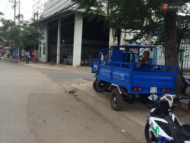 Vụ 2 mẹ con bị cướp giật túi xách ở Sài Gòn: Chúng cướp rồi nhẫn tâm đạp ngã xe của họ - Ảnh 2.