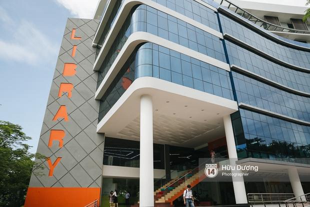 Thư viện 7 tầng cực hoành tráng của Đại học Tôn Đức Thắng