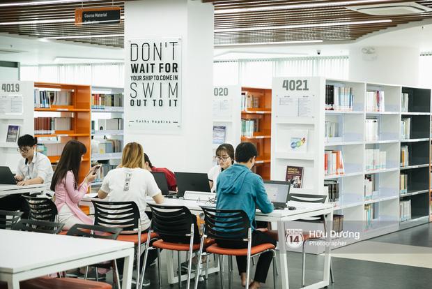 Thư viện đẹp thế này ai chẳng muốn học hành chăm chỉ, nhỉ?