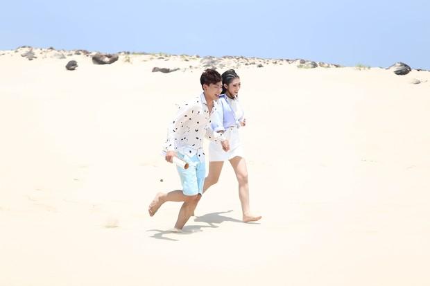Khổng Tú Quỳnh diện loạt trang phục ngắn cũn, phơi mình dưới nắng gắt để quay MV mới - Ảnh 3.