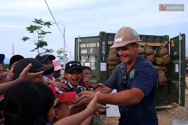 Hải quân Mỹ - Nhật dầm mình trong nắng, góp 1.500 ngày công để xây trường mầm non cho trẻ em Đà Nẵng - Ảnh 6.
