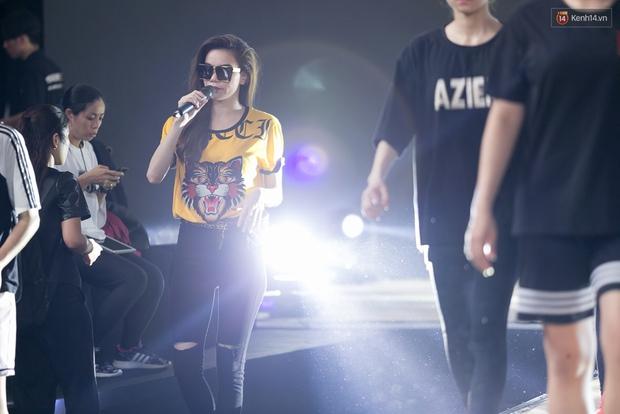 Hồ Ngọc Hà luyện tập hết mình trên sân khấu Chung kết Vietnams Next Top Model - Ảnh 7.