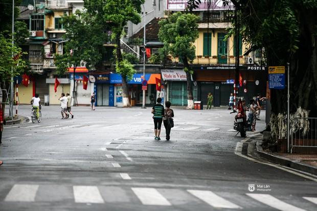 Tròn 1 năm khai trương, phố đi bộ Hồ Gươm đã trở thành một phần không thể thiếu của người Hà Nội - Ảnh 11.