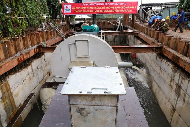 Cận cảnh quái vật thông minh ở Sài Gòn có thể hút sạch nước trên đường ngập chỉ sau 15 phút - Ảnh 6.