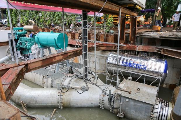 Cận cảnh quái vật thông minh ở Sài Gòn có thể hút sạch nước trên đường ngập chỉ sau 15 phút - Ảnh 8.