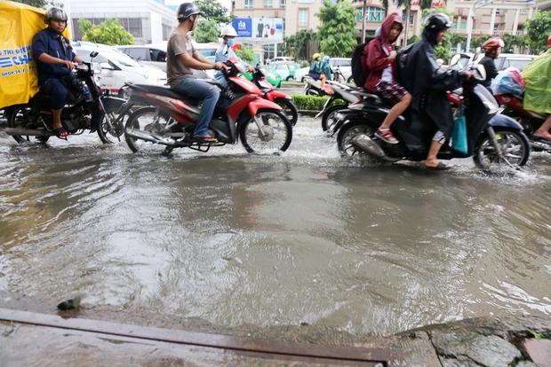 Cận cảnh quái vật thông minh ở Sài Gòn có thể hút sạch nước trên đường ngập chỉ sau 15 phút - Ảnh 3.