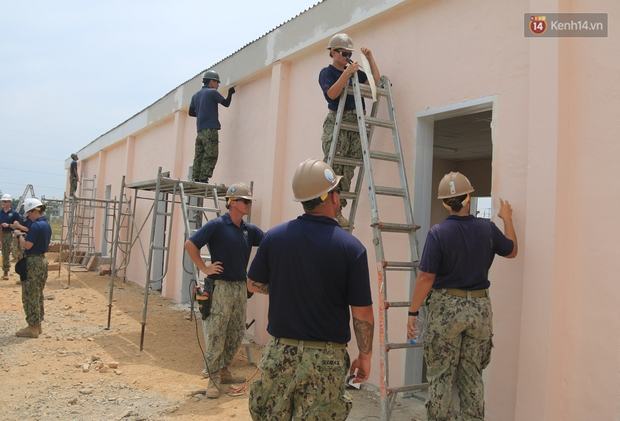 Hải quân Mỹ - Nhật dầm mình trong nắng, góp 1.500 ngày công để xây trường mầm non cho trẻ em Đà Nẵng - Ảnh 11.