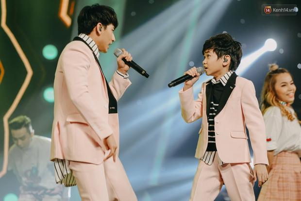 Cậu bé 12 tuổi Thiên Khôi chiến thắng Vietnam Idol Kids mùa 2 một cách áp đảo! - Ảnh 28.