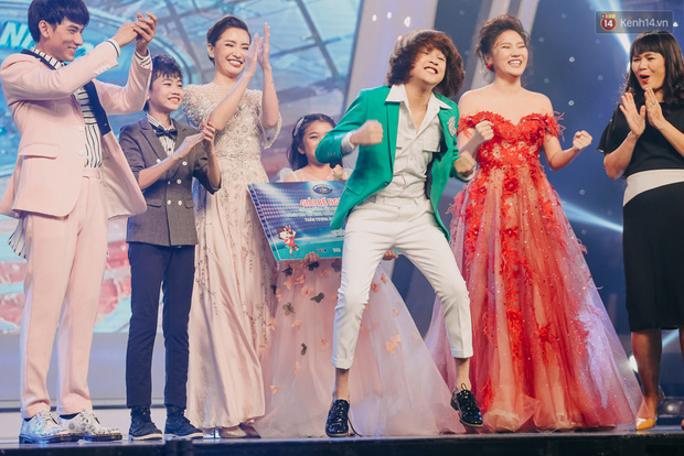 Cậu bé 12 tuổi Thiên Khôi chiến thắng Vietnam Idol Kids mùa 2 một cách áp đảo! - Ảnh 2.
