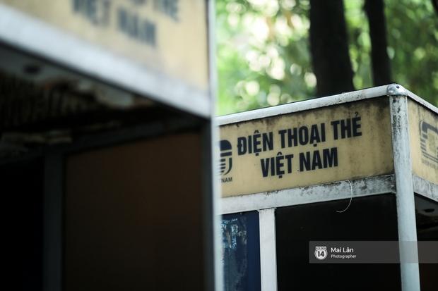 Những bốt điện thoại cuối cùng ở Hà Nội và ký ức một thời mong lắm một cuộc gọi từ trên phố - Ảnh 3.