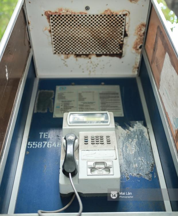 Những bốt điện thoại cuối cùng ở Hà Nội và ký ức một thời mong lắm một cuộc gọi từ trên phố - Ảnh 5.