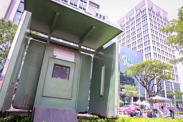 Hàng loạt trạm thông tin điện tử hiện đại ở Sài Gòn bị hư hỏng, nhếch nhác và bốc mùi kinh khủng - Ảnh 6.