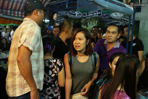 Nghệ sĩ Cát Phượng, vợ chồng Ốc Thanh Vân,... tới viếng danh hài Khánh Nam trong ngày thứ 2 tổ chức tang lễ - Ảnh 9.