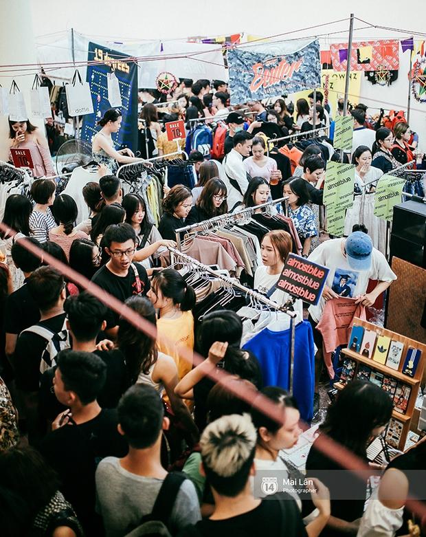 Giới trẻ Hà Nội đang rồng rắn đổ xô về The New District ăn Trung thu sớm - Ảnh 4.