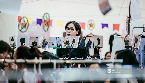 Giới trẻ Hà Nội đang rồng rắn đổ xô về The New District ăn Trung thu sớm - Ảnh 3.
