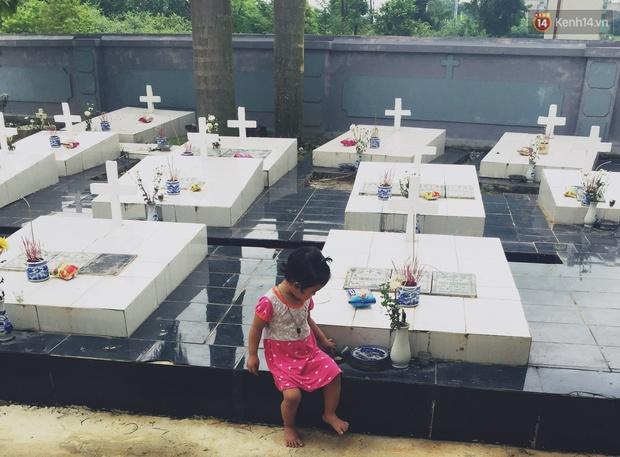 Theo chân cậu SV 19 tuổi về nơi chôn cất hơn 100.000 thai nhi và chuyện những dòng nhật ký đẫm nước mắt ở nghĩa trang 16