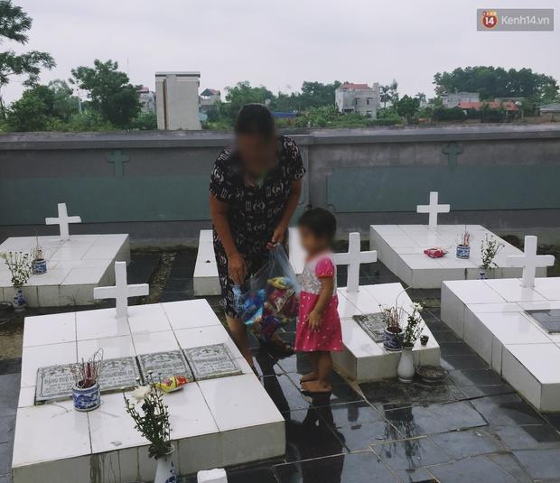 Theo chân cậu SV 19 tuổi về nơi chôn cất hơn 100.000 thai nhi và chuyện những dòng nhật ký đẫm nước mắt ở nghĩa trang 15