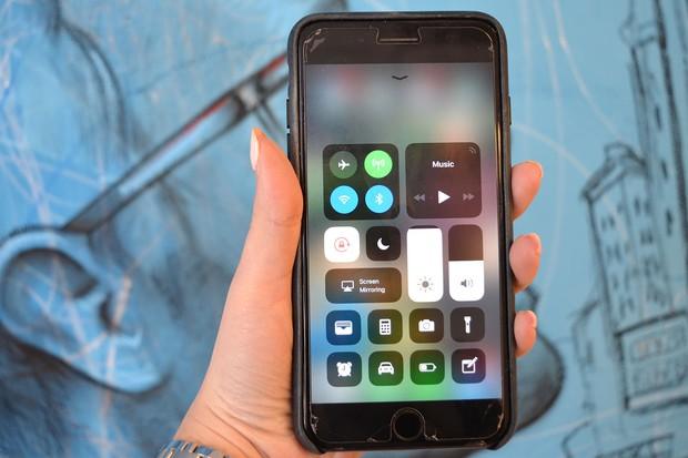 iPhone nâng cấp lên iOS 11 pin tụt chóng mặt, đây là cách để bạn khắc phục điều này - Ảnh 2.