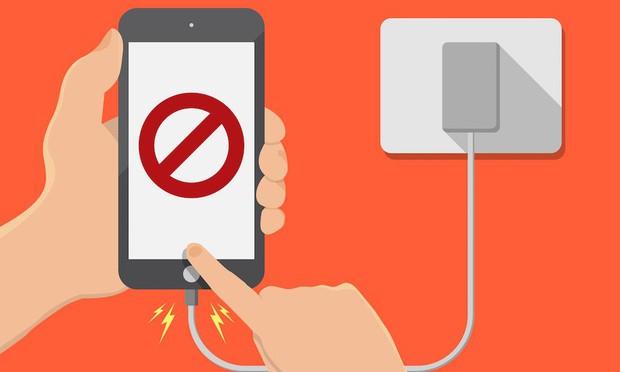Dùng iPhone mà cứ nhanh hỏng, đó là bạn đã mắc phải 7 sai lầm này - Ảnh 1.