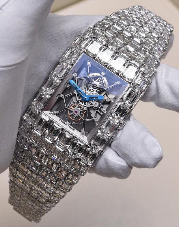 Đồng hồ nạm kim cương có giá ngang ngửa 90 siêu xe Ferrari - Ảnh 3.