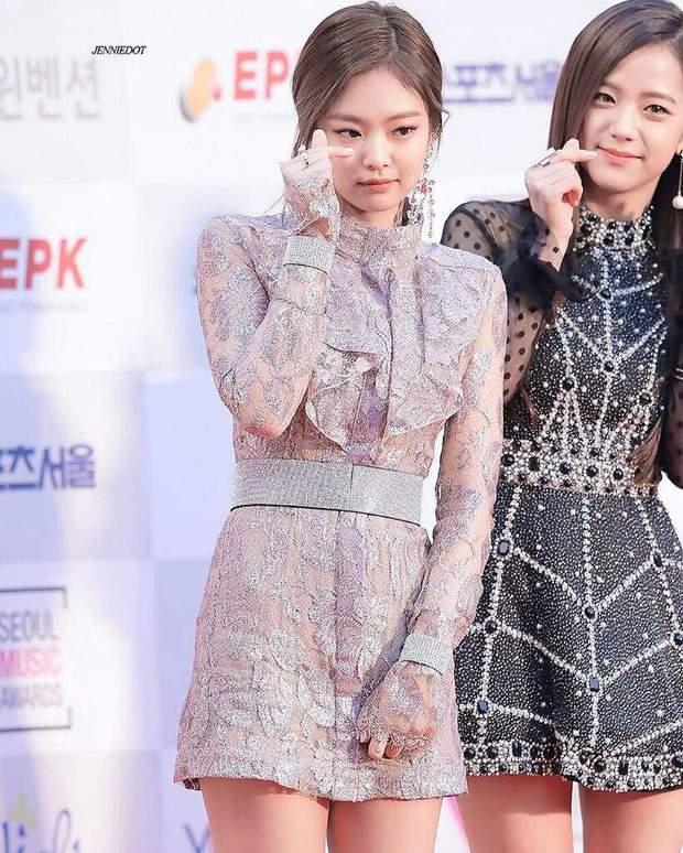 Bạn cùng nhóm nhỡ mồm tố Jennie Kim được stylist thiên vị nhất trong Black Pink - Ảnh 4.