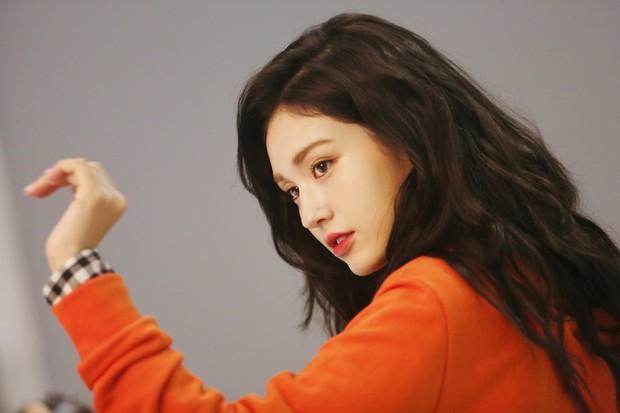 Mới sinh năm 2001 đã sở hữu body xuất sắc, Bông hồng lai nhà JYP đang khiến dân tình mê mẩn đây này! - Ảnh 14.