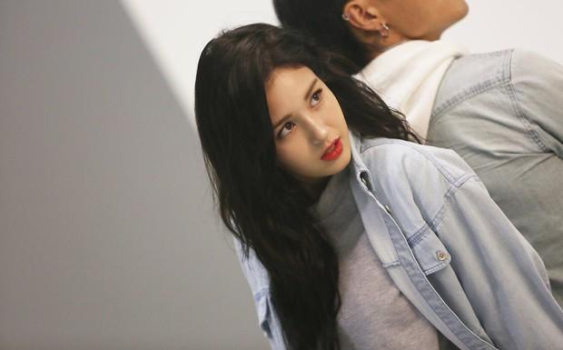 Mới sinh năm 2001 đã sở hữu body xuất sắc, Bông hồng lai nhà JYP đang khiến dân tình mê mẩn đây này! - Ảnh 16.