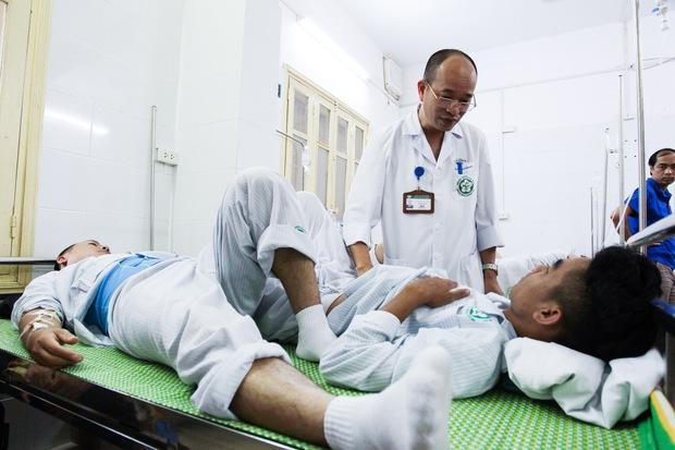 Hà Nội: Bệnh nhân sốt xuất huyết nằm la liệt ở bệnh viện Bạch Mai - Ảnh 4.