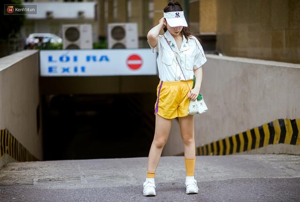 Ngắm street style tươi roi rói của giới trẻ 2 miền, bạn sẽ thấy thích diện đồ màu mè ngay lập tức - Ảnh 2.