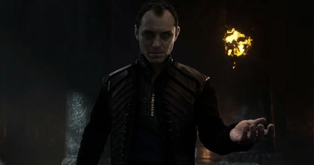 """7 lí do """"King Arthur: Legend of the Sword"""" """"sấp mặt"""" tại phòng vé - Ảnh 5."""