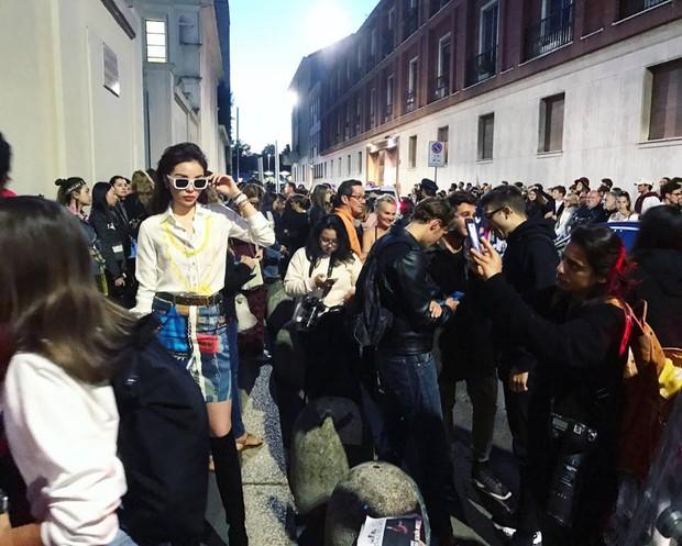 Tới Milan Fashion Week, Kỳ Duyên đầu tư kỹ lưỡng và xuất hiện ngay trên hàng ghế đầu show Moschino - Ảnh 2.