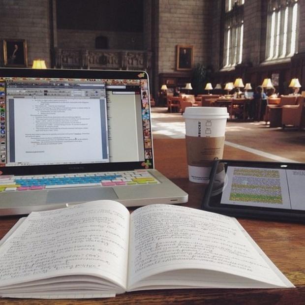Nguyên tắc bất thành văn mà sinh viên nên nằm lòng khi học tập ở thư viện - Ảnh 2.