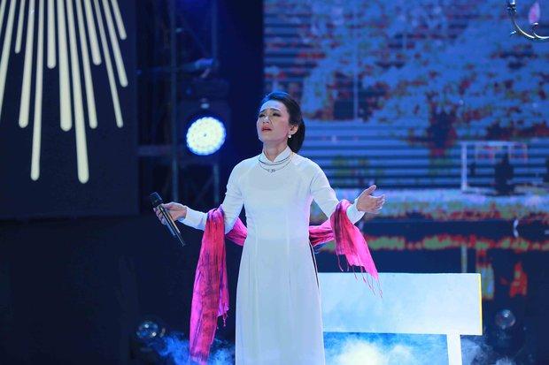 Con gái Chế Linh lại gay gắt phản đối hát dòng nhạc của cha trên truyền hình - Ảnh 4.